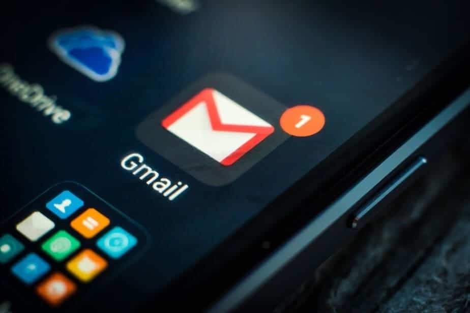 Dark Mode version of Gmail, android users