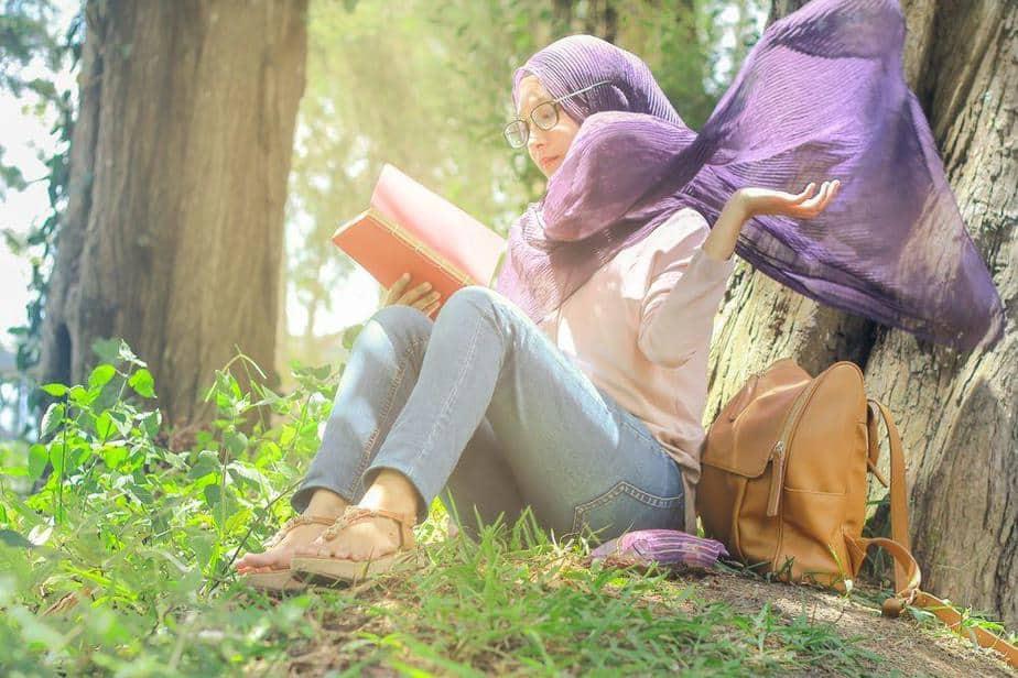 Muslim women, Headscarf, color hijab